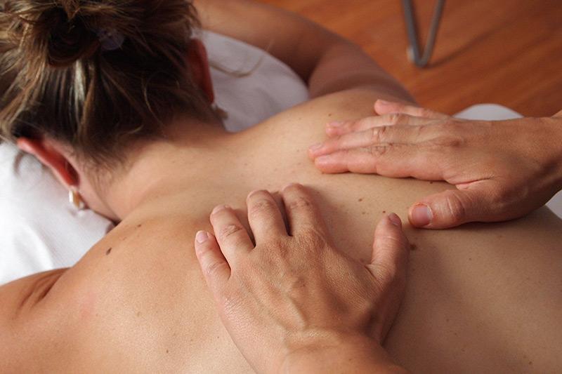 Massage Californien soins Institut Bien-être Besançon La Villanelle